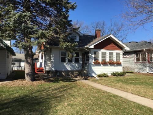 1675 Bayard Avenue Photo 1