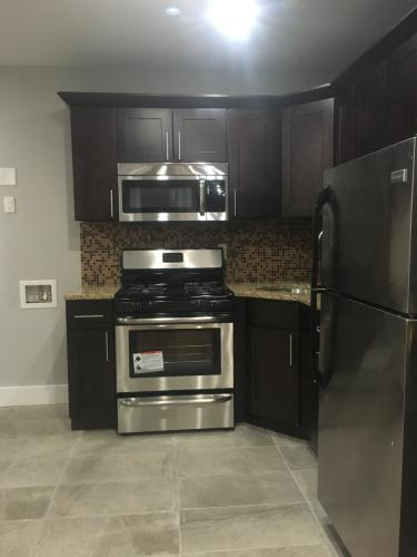2 bed, 900 sqft, $1,800 Photo 1