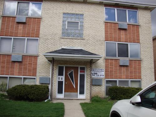 2 Bedroom apartment! Minutes from O'Hare! (Schi... 2 FLOOR Photo 1