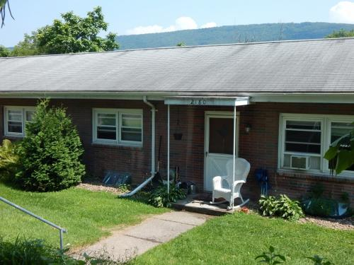 2180 Mountain View Ave Photo 1
