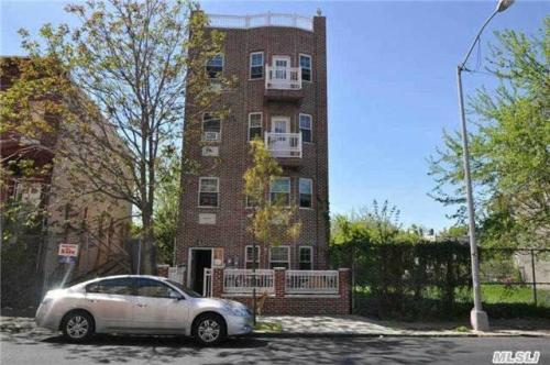 ID #1245364 Bright And Sunny 3 Br, 1 Bath Apt W... 4TH FL Photo 1