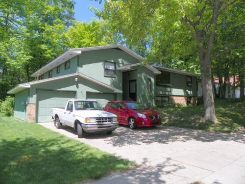 Duplex for rent near Calvin College Photo 1