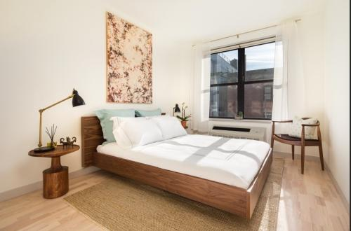 Extra large one bedroom with a patio terrace -I... Photo 1