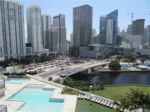 350 S Miami Ave Photo 1