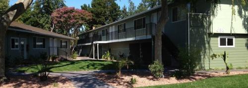658 Sierra Vista Avenue #02 Photo 1