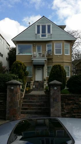 116 14th Ave E 1 Photo 1