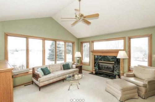 Share Lovely Home With Semi-Retired Teacher Photo 1