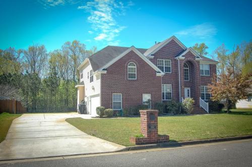3780 River Oak Circle Photo 1