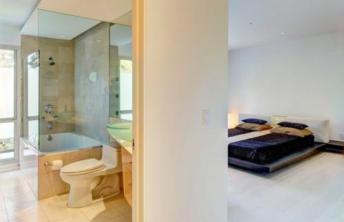 Modern Furnished Duplex Estate Photo 1
