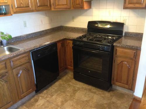 3 Bedroom Apartment Bayonne NJ 07002 | Hardwood... 3 Photo 1
