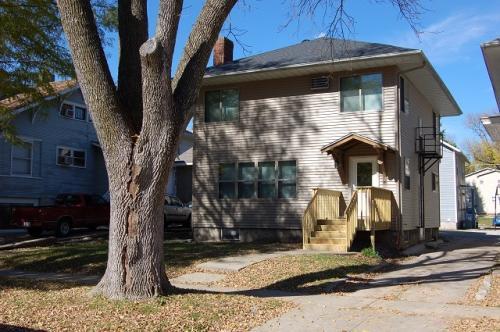 210 E Davenport St Photo 1
