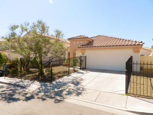 7925 Fall Harvest Dr Photo 1