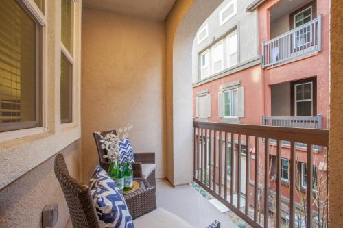Georgeous Ready Move In Condo 2 Beds/2 Baths Mi... Photo 1
