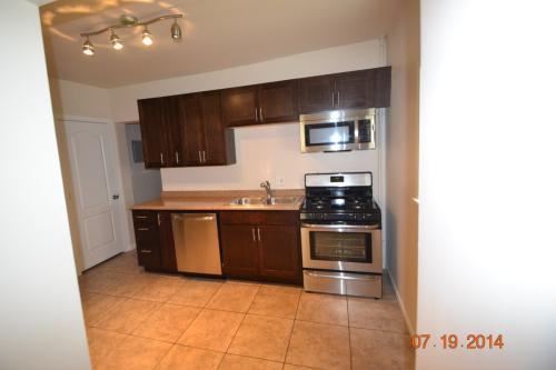 Available Aug 2016 - close to the university an... Apt 2 Photo 1