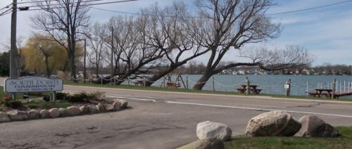 1127 S Lake Dr 220 Photo 1