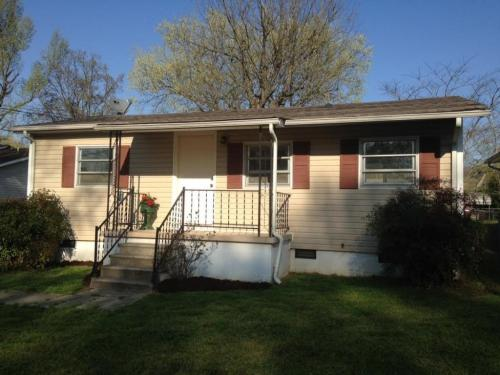 706 Henderson Ave Photo 1