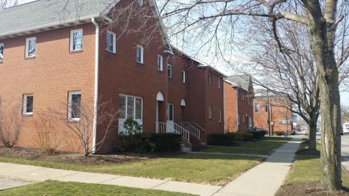 402 Holland Street Photo 1