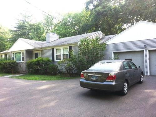 230 Knollwood Drive Photo 1