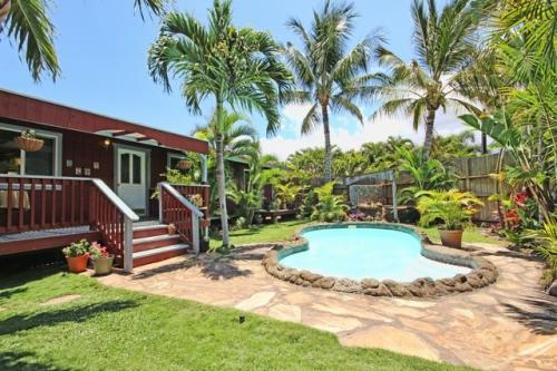 Classic Beach Style Home With Pool Photo 1