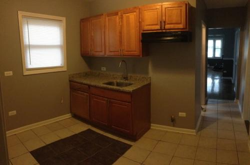 Stunning 3 Bed + 2 Bath (Section 8 Specialist) ... Photo 1