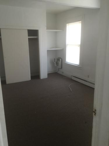 3 bed, $1,450 1 Photo 1