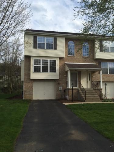 3084 Meadowbrook Ct Photo 1