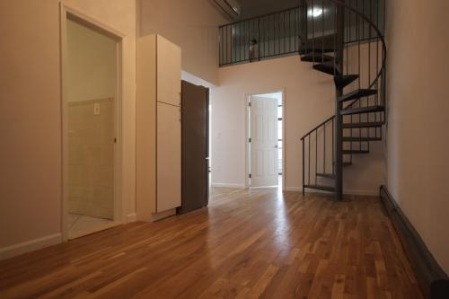 4 bed, $3,250 Photo 1