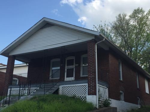 7012 Edison Ave Photo 1