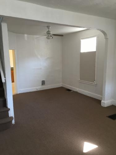 3 bed, 918 sqft, $950 Photo 1