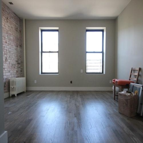 Awesome renovated 3 bedroom, No broker fee Photo 1