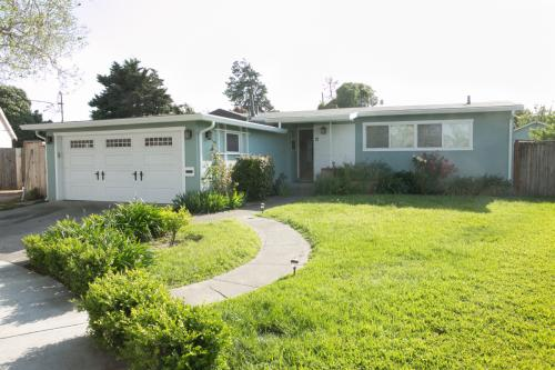 12 Clarence Ct Photo 1