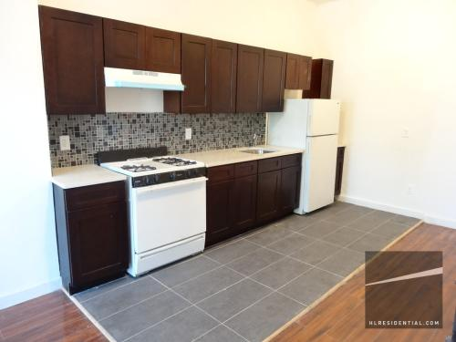 Great 2 Br W/ Private Yard! Photo 1