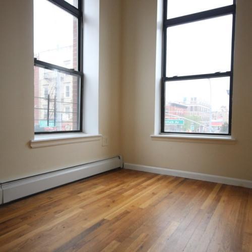 Super nice 3 bedroom on sweet Dekalb Ave Photo 1