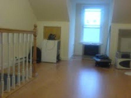 This apartment is close to Brandeis main entrance 15 Photo 1