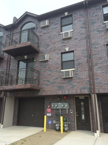 1044 Leland Ave Photo 1