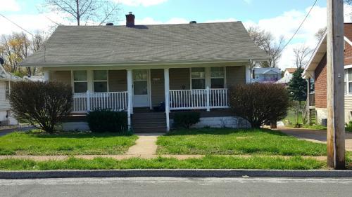 8936 Argyle Ave Photo 1