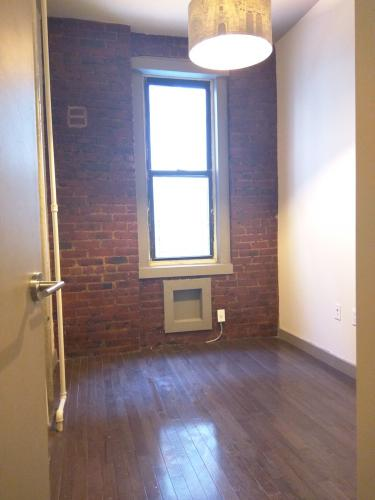 Lovely Bushwick Renovated Duplex Exposed Brick 36A Photo 1