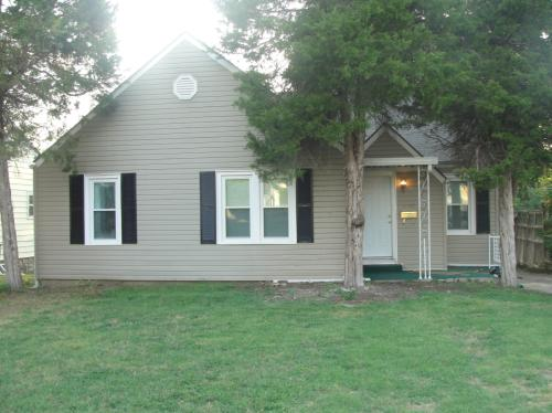 3 Bed 1 Bath updated Home For Lease Photo 1