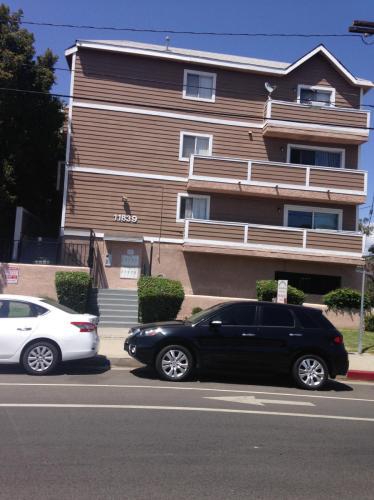 11839 Burbank Boulevard #7 Photo 1