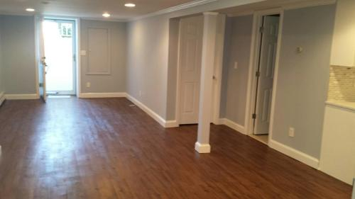 Remodeled One Bedroom For Rent Photo 1