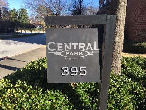 395 Central Park Pl NE 540 Photo 1