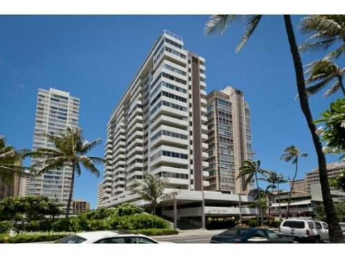 2421 Ala Wai Boulevard Photo 1