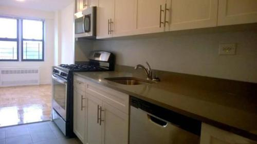 Gorgeous New To Market 1br In Woodside Photo 1