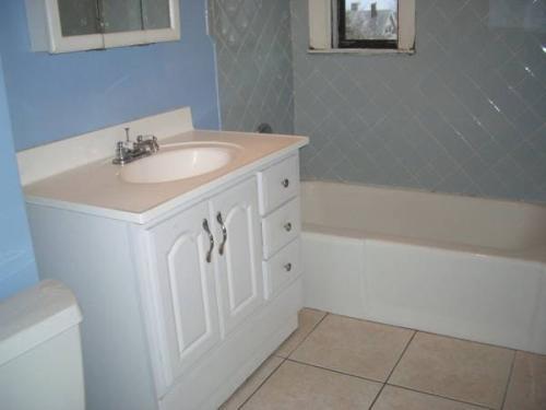 4 Bed 1 Bath Everett Newly Renovated 3 Photo 1