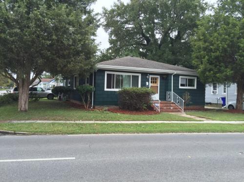 3458 Chesapeake Blvd Photo 1