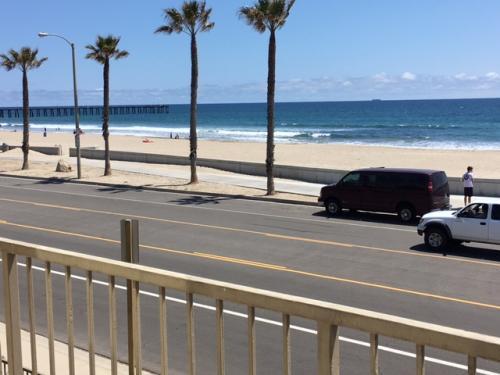 201 E Surfside Drive Photo 1