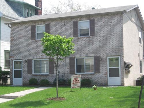 379 Wyandotte Ave 6 Photo 1