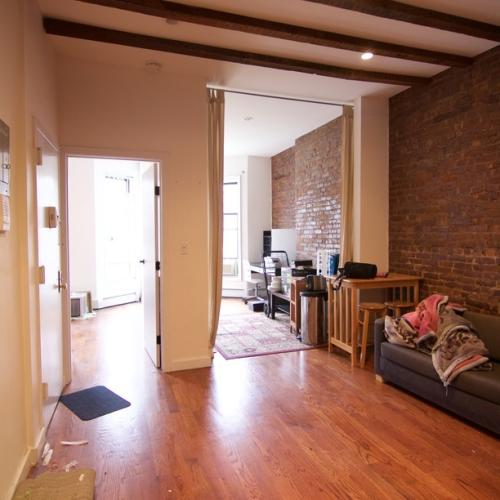 1433 Bedford Ave Photo 1