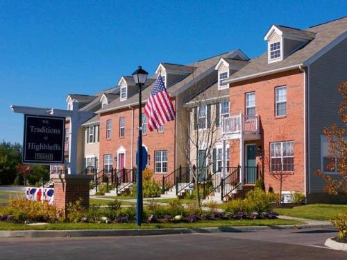 94 Highbluffs Boulevard Photo 1