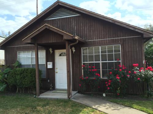 1 Bedroom Home For Student/ Single Person -- Al... Photo 1